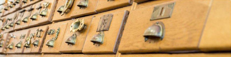 eisenwarenschrank, musterschubladen, ausstellungsschrank, beschlagfachgeschäft, möbelbeschläge,